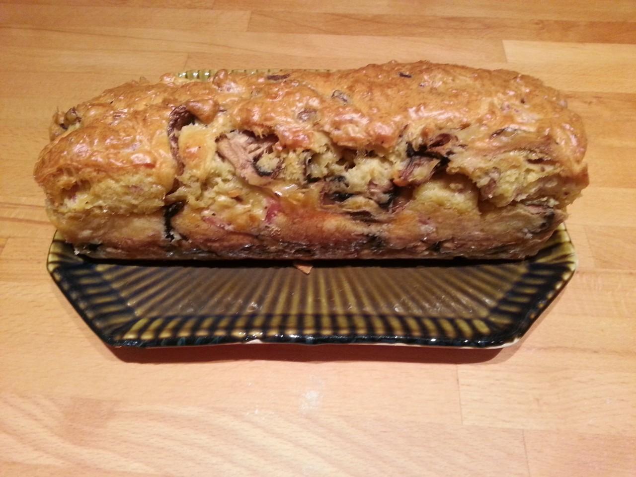 Cake jambon, champignons et gruyère