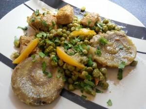 Tajine de Veau aux Petits Pois et Artichauts.  <p>Ce plat savoureux donne au repas une touche d'exotisme, c'est une invitation au voyage.</p>