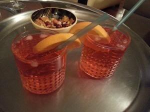 Cocktail Spritz.  <p>Le Spritz est aux vénitiens ce qu'est le Pastis aux marseillais.</p>