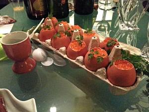 Oeufs surprise de Cocotte.  <p>Les œufs surprise de Cocotte sont une belle idée à servir à l&#8217;apéritif ou en entrée. Particulièrement à Pâques&#8230;</p>