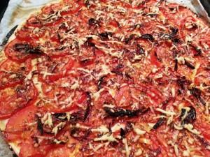 Tarte fine au chèvre et tomates