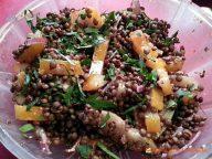 Salade de lentilles au haddock fumé.  <p>Une recette facile, originale et très goûteuse pour une salade de caractère.</p>