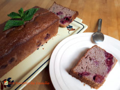 Cake aux framboises et menthe